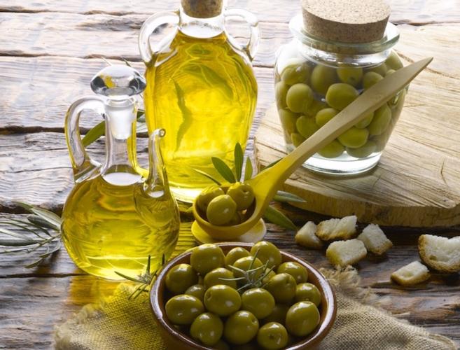 olio-olive-oliva-hiphoto39-fotolia-750x571-1